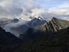 008 - il Ruthor emerge dalle nubi (TFRARUG) Tags: alps alpine alpi valledaosta valdaosta arbolle lagogelato emilius ruthor leslaures trecappuccini