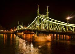 Pont de la Libert de nuit Budapest (lecointelaetitia) Tags: city bridge architecture night ngc budapest clear libert pont nuit ville 18105 nikond3100