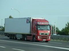 Torello trasporti volvo fh (franzkk) Tags: auto italien red italy man speed truck t volvo team stream king foto tank tn trucker transport super thermo charm bull storage renault route camion tuning range index mont fh blanc piacenza carrier italie v8 channel cf maxi distribution routier lorrie scania iveco inter frigo refrigerated limits lodi daf lorries lkw fahrer camiones xf montoro torello logistik brummi trasporti actros chaffeur kamioni spedition fh3 guardamiglio fh4
