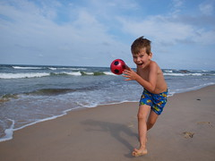 action on the beach:) (mdanys) Tags: boy summer beach lithuania danys juodkrante mdanys