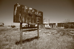 Route 66 - Western Motel (Frank Footer Fotos) Tags: road street new trip travel trees vacation sky usa sun white house black west art classic cars home field grass sunshine sign shop wall sepia clouds america vintage landscape mexico marquee photography hotel office store weeds cabin highway rust midwest jon san neon framed lodging fine mother sunny motel roadtrip 66 historic retro lobby business route nostalgia posters western buy prints americana kicks motor roadside decor rt attractions grassy
