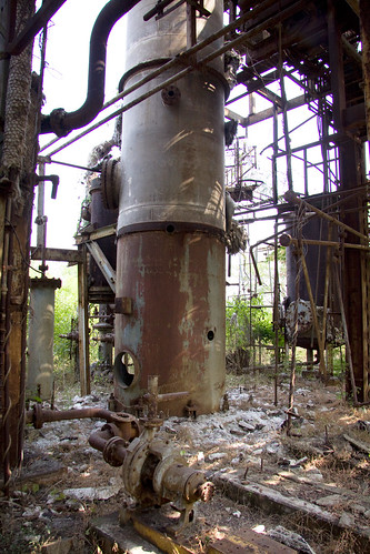 Union-Carbide-Factory-4