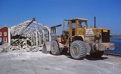 Fiatallis (1990 May 4mod) (AngusInShetland) Tags: heavyequipment shovel shetland lerwick scoop frontendloader frontloader constructionequipment constructionmachinery payloader bucketloader wheelloader skiploader fiatallis fr20 fiatallisfr a224sps