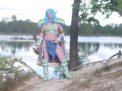 Shooting Huntress - World of Warcraft - 2014-08-07- P1900543 (styeb) Tags: shooting shoot hostens 2014 aout 07 lac water landes huntress world warcraft wow blizzard cosplay