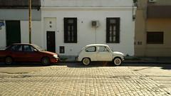 borde02 (luissierra2) Tags: blanco calle paternal fiat600 empedrado