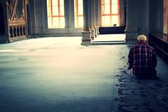 Pray (Cecilia Gabbanini) Tags: turkey prayer pray istanbul moschea turchia pregare