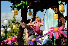 Raiponce (ramonawings) Tags: bear sleeping anna white snow paris france beauty rose frozen heart disneyland magic tinkerbell tinkerbelle peterpan coeur disney parade queen tink aurora merlin winniethepooh neige winnie blanche snowwhite reine sleepingbeauty aliceinwonderland ballo junglebook waltdisney aurore ours tangled disneylandparis dlp blancheneige clochette moustique briarrose magicien winnielourson cavalcata queenofheart raiponce reinedecoeur disneymagiconparade magiedisneyenparade livdelajungle apunzel