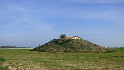 Royal Tombs , Tuzla, tumulus