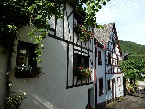 Fachwerkhäuser in der Pützstrasse in Burgen an der Mosel