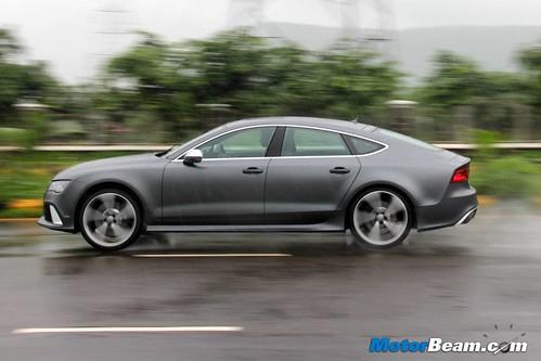 2014-Audi-RS7-35