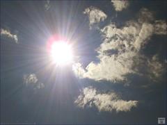 Augenblick: Wenn der Sonne der Durchbruch gelingt, (arachnemedia) Tags: sky sun clouds frankfurt sommer himmel wolken sonne blauerhimmel fra augenblick ffm durchbruch tumblr wolkendurchbruch arachnemedia sudelblog