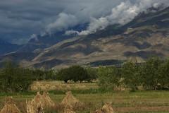 Tibet, Brahmaputra River Bank (Jos Rambaud) Tags: sky mountains rio clouds river skyscape asia day cloudy paisaje tibet himalaya lhasa himalayas cloudscape nube cordillera brahmaputra