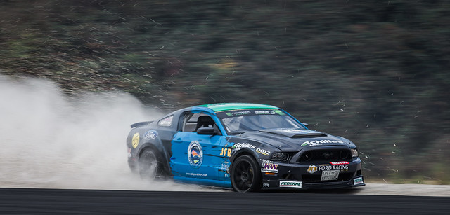 Championnat Européen de DRIFT - Bordeaux Mérignac Gironde 13 et 14 septembre 2014 - Ford Mustang - Moteur Engine Puissance Power Car Speed Vitesse Explorer Explore Circuit Champion - Picture Image Photography - King of Europe KOE -  turbo oil huile frein