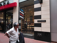 Frank Chu in front of Sephora on Powell Street (YouTuber) Tags: sanfrancisco california frankchu powellstreet