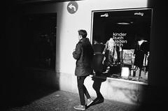 you know where to go (gato-gato-gato) Tags: 35mm ch contax contaxt2 iso400 ilford ls600 noritsu noritsuls600 schweiz strasse street streetphotographer streetphotography streettogs suisse svizzera switzerland t2 zueri zuerich zurigo z¸rich analog analogphotography believeinfilm film filmisnotdead filmphotography flickr gatogatogato gatogatogatoch homedeveloped pointandshoot streetphoto streetpic tobiasgaulkech wwwgatogatogatoch zürich black white schwarz weiss bw blanco negro monochrom monochrome blanc noir strase onthestreets mensch person human pedestrian fussgänger fusgänger passant sviss zwitserland isviçre zurich autofocus