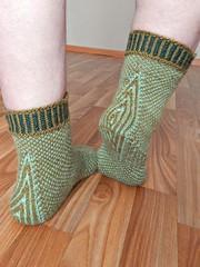 stripodotsgreen (Horosho.Gromko.) Tags: socks feet knitting knittedsocks knitty knittymag legs stripodot