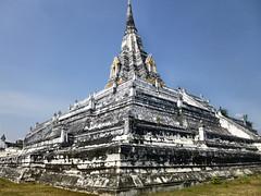 95 Ayutthaya (farfalleetrincee) Tags: travel tourism thailand temple asia southeastasia buddhism adventure guide siam ayutthaya archaeologicalsite