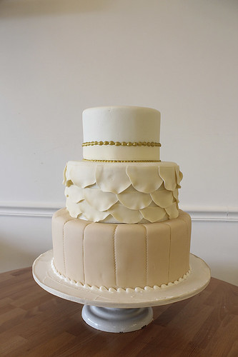 Vintage Scallops Dress Inspired Wedding Cake