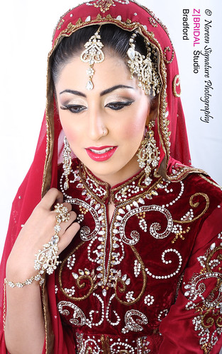 "Z Bridal Makeup Training Academy  67 • <a style=""font-size:0.8em;"" href=""http://www.flickr.com/photos/94861042@N06/14574948618/"" target=""_blank"">View on Flickr</a>"