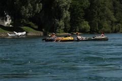 Schlauchboot Sevylor Super Caravelle XR86GTX ( Gummiboot ) auf dem Rhein oberhalb von D.iessenhofen im Kanton Thurgau in der Schweiz (chrchr_75) Tags: rio ro river boot schweiz switzerland boat europa suisse swiss fiume rivire juli reno christoph svizzera fluss rhine rhein strom rin rijn jolla canot dinghy bote schlauchboot 2014 rivier  suissa joki rzeka jolle gummiboot flod sloep rhin chrigu 1407  rhenus chrchr hurni chrchr75 chriguhurni chriguhurnibluemailch albumrhein gummiboote juli2014 hurni140706