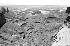 Canyon Edge (Jane Inman Stormer) Tags: blackandwhite cliff nature utah haze arch view deep atmosphere canyon spire explore canyonlandsnationalpark moab distance far atmosphericperspective explored washerwomanarch