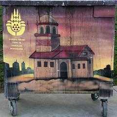 neşeli çöpler-10 (zeynepyil) Tags: art garbage istanbul sanat çöp