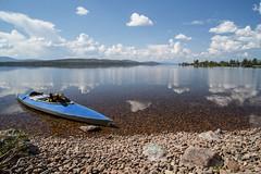 Rogen Nature Reserve (qitsuk) Tags: cloud lake reflection clouds landscape kayak sweden schweden canoe shore kayaking canoeing watersports scandinavia klepper rogen foldingkayak jämtlandslän foldingboat gränselandet rogennaturereserve
