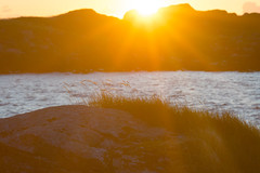 Extreme Light (martinstelbrink) Tags: leica sea mountains norway island meer sony north norden norwegen arctic insel berge lofoten 135mm ramberg teleelmar a7r leicateleelmar135mmf40 flakstadya arktik voigtlndernexvmadapter alpha7r jusholmen