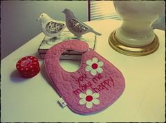 BaBaDoR MaRgArIDaS (DoNa BoRbOlEtA. pAtCh) Tags: baby handmade application beb ba patchwork applique margaridas babador quiltlivre bordadomo donaborboletapatchwork denyfonseca