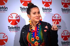 Denise Rosenthal (Anto Cerezo) Tags: chile show red alfombra carpet artistas evento denise press solidaridad prensa todos artista roja somos cantante instituto rosenthal fundacion chilenos campaa lanzamiento teleton