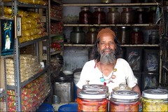 Pickles (Vincentdevincennes) Tags: india streetlife hyderabad inde andhrapradesh i