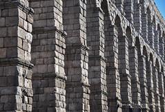 Segovia. Roman Aqueduct 2 (Juan C. García Lorenzo) Tags: segovia castilla castile castillayleón castileandleon spain españa europe europa ue eu travel viajes nikon nikond90 architecture arquitectura romanempire imperioromano roman romano