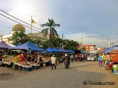 Kampung Baru Market, Kuala Lumpur (Travolution360) Tags: malaysia kuala lumpur kampung baru market local fruits vegetables meat