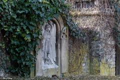 Zentralfriedhof Münster (Sven Kapunkt) Tags: münster westfalen nrw nordrheinwestfalen statue friedhof friedhöfe cemetery cemeteries cimetière angel engel grab gräber graveyard