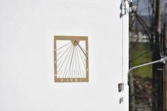 Rellotge de sol al Molí dels Bessons, o Casa Milà, Molí de Basans (esta_ahi) Tags: torrellesdefoix molídelsbessons casamilà molídebasans ipa4836 rellotgedesol relojdesol sundial rellotge reloj sol solar penedès barcelona spain españa испания