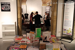 IMG_1005 (Jean_Pierree) Tags: leggendo anteprima metropolitano