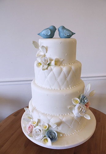 White Quilting Classic Wedding Cake with Love Birds and Flowers