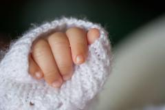 Petite main (LACPIXEL) Tags: baby macro nikon flickr hand main bb