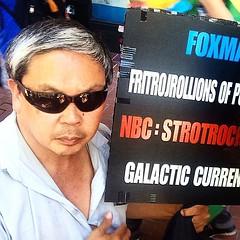 Frank Chu, San Francisco Professional Galaxy Protester (Lynn Friedman) Tags: sanfrancisco sign frank character protest galaxy frankchu galactic localcelebrity onlyinsanfrancisco lynnfriedman
