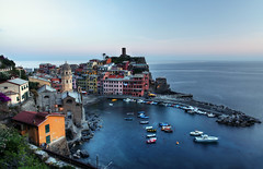 Vernazza (frasse21) Tags: travel sunset italy house water boat long exposure le cinqueterre vernazza hdr