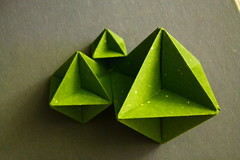 Kinda Fractalic (Andrey Hechuev | Андрей Хечуев) Tags: verde green canon origami vert grün 緑 papiroflexia midori origamimodular 綠色 綠 dobradura おりがみ virdis 折り紙 zelena zeleno みどり ירוק зелёный verdo polygone оригами أخضر канон 초록 πράσινο papierfalten robertneale xanhlácây pliagedepapier papefolding зелена dobraduradepapel canoneos100d кэнон зелений modularorigmi орігамі модульнеорігамі andriyx андрейхечуев хечуев бумагосложение andreyhechuev бумагосложения hechuev хечуевандрей hechuevandrey андрикс nolidoctahedron nolidpolygone модельноеоригами
