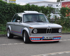 BMW 2002 turbo (Transaxle (alias Toprope)) Tags: auto autos car cars macchina macchine coche coches carro carros youngtimer youngtimers classic classics veteran veterans oldtimer historic antic antique vintage motor klassik soul beauty power toprope berlin spandau nikon d90 wilhelm hofmeister wilhelmhofmeister hofmeisterknick hofmeisterknie hofmeisterkick knick knie kick mostfavedplus 15favs we♥bmw love freude ♥ bmw joy