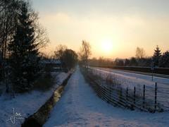 Glanerbrug (2006) (glanerbrug.info) Tags: glanerbrug 2006 sneeuwijs zon twente netherlands paysbas niederlande nederland holland snow lucht wolken sun sonne soleil sky himmel ciel nuages clouds overijsselgemeenteenschede sunset euregio overijssel