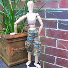 Camo Cargo Shorts for Wooden Mannequin (lyndell23) Tags: knitting knit handknit camo knitted macho handknitting artistmannequin artistsmannequin woodmannequin