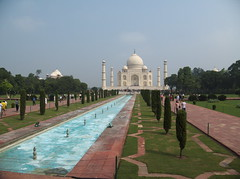 "Le Taj Mahal <a style=""margin-left:10px; font-size:0.8em;"" href=""http://www.flickr.com/photos/83080376@N03/15235593631/"" target=""_blank"">@flickr</a>"