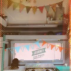 Es geht los. Auf in ein neues Abenteuer.   The journey has begun.   #hooray #hoorayfortoday #enjoy #travelblog #travelingram #traveltheworld #travelphotography #igtravel #instatravel #travel #flowgirlande #flowmagazin #vwbus #reimo #kiratontravel #instaco