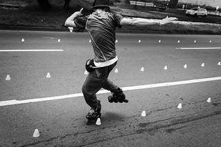 Slalom skate dancing