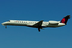 N280SK (Chautauqua) (Steelhead 2010) Tags: yyz embraer erj deltaconnection chautauquaairlines nreg n280sk