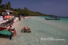 Koh Rong, chilling (blauepics) Tags: life sea beach water strand island sand cambodia kambodscha meer wasser relaxing happiness tourists palm insel chilling enjoy koh backpacker leben rong glcklich palmen entspannen touristen geniessen zufrieden