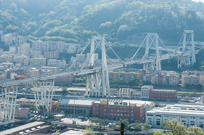 Finest viadotto sul polcevera genova tags bridge italy for Cosmet genova